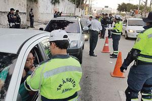 Ein Drittel weniger Tote: Fortalezas Polizei bei einer Alkoholkontrolle.