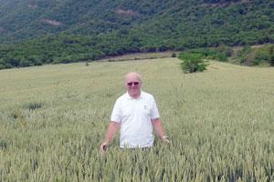 Prächtiger Weizen: Karl Fischer sieht eine bessere Zukunft für Georgiens Bauern.