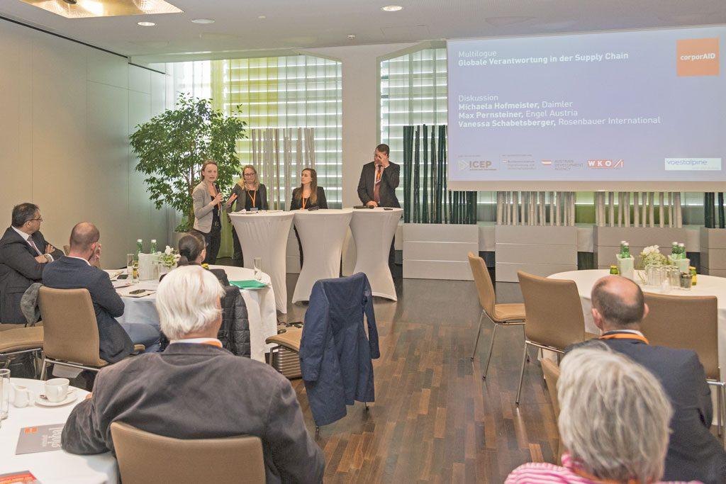 Diskussionsrunde mit Michaela Hofmeister (Daimler), Vanessa Schabetsberger (Rosenbauer) und Max Pernsteiner (ENGEL Austria) beim corporAID Multilogue: Globale Verantwortung in der Supply Chain (08. Mai 2019).