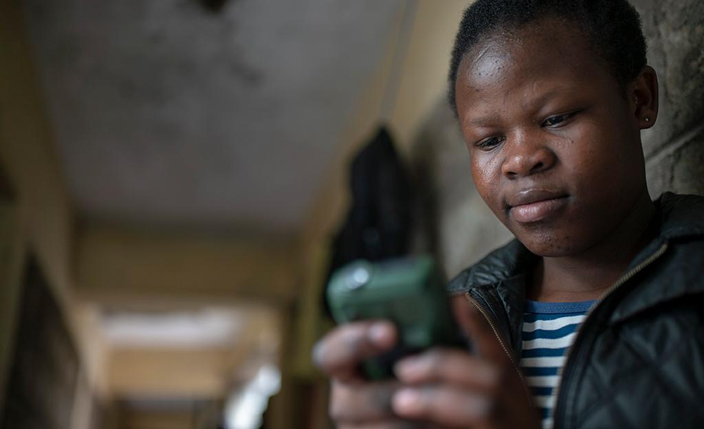 Mit seiner SMS-Lernplattform trifft das Sozialunternehmen Eneza auf großen Bedarf.